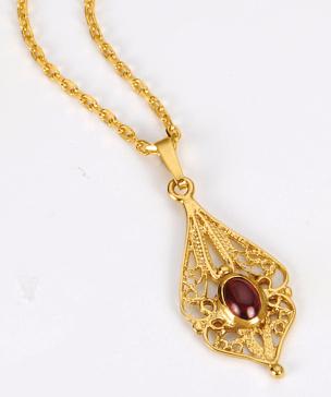 Kette + Granatanhänger in 925- silber/ gold plattiert