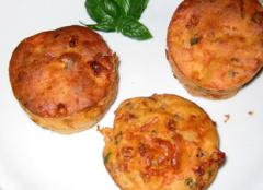 Tomate-Mozzarella Muffins